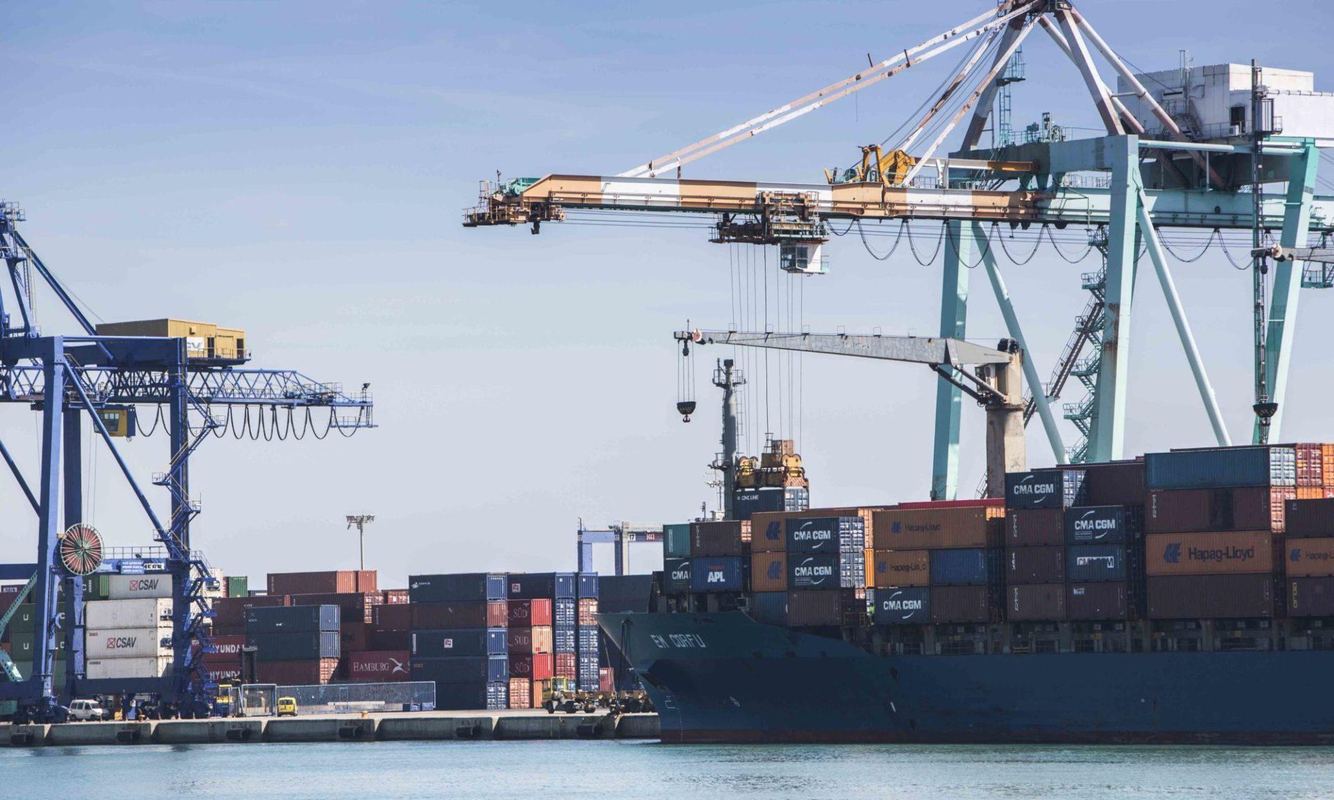 Barcos Puerto mercancías