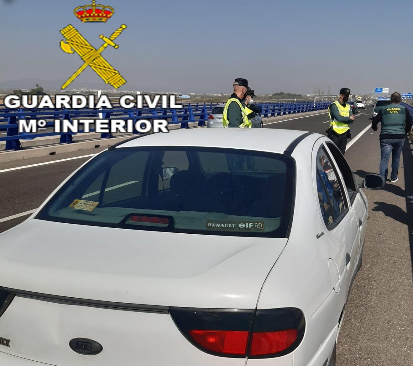 coche detenido por la guardia civil