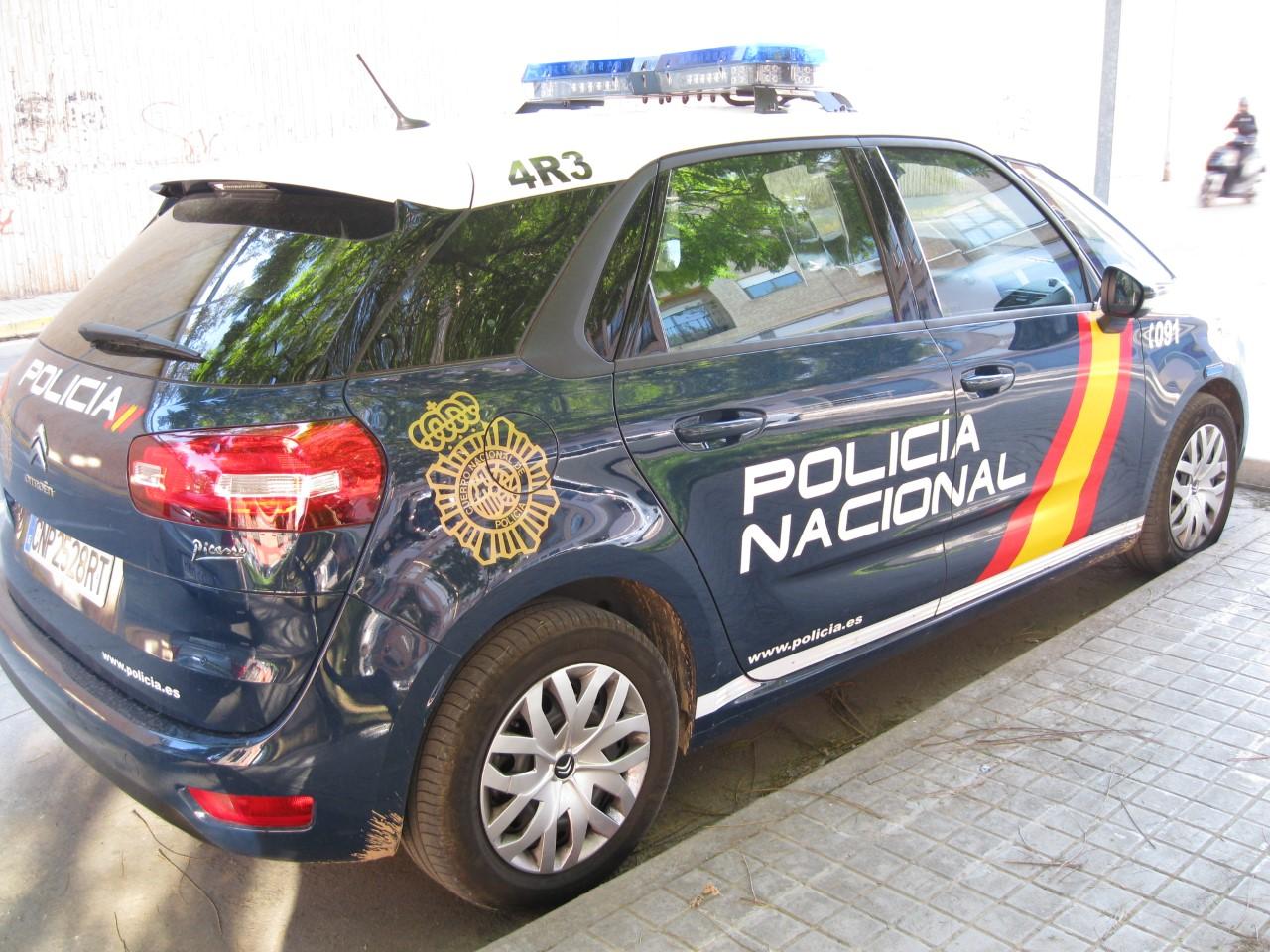 coche de policia nacional