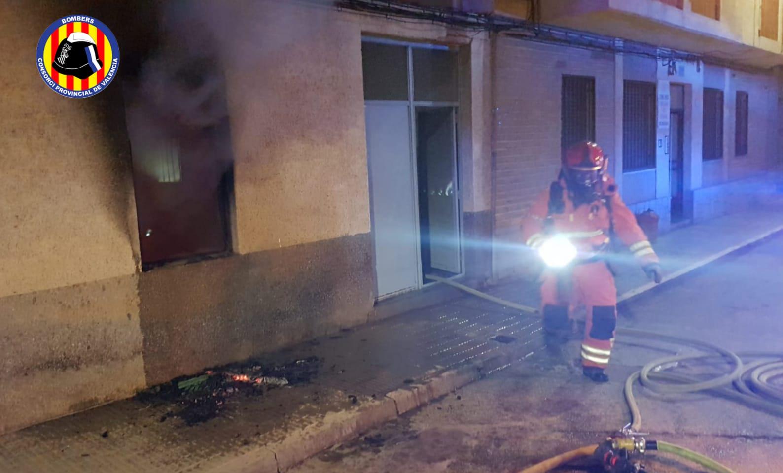 Imagen del incendio en la vivienda de Olleria