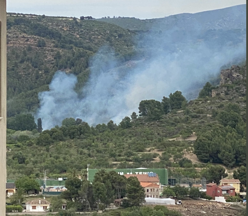 Imatge de l'incendi forestal de Segorbe