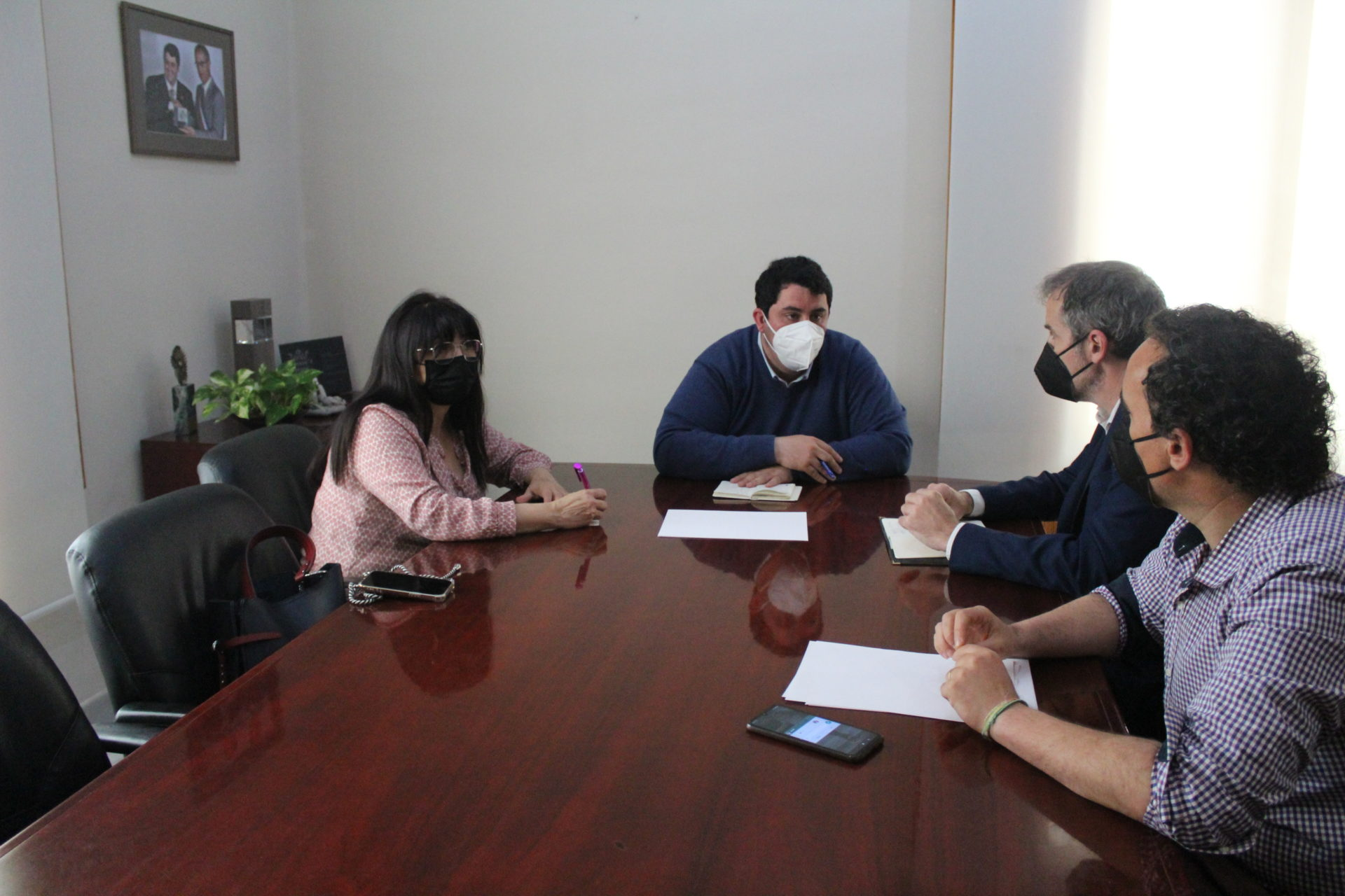 Reunión entre los tres alcaldes de los municipios para abordar el proyecto común