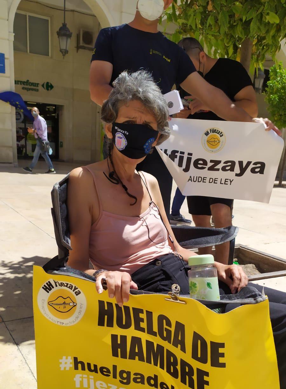 María Jesús C. , funcionaria en huelga de hambre en Alicante