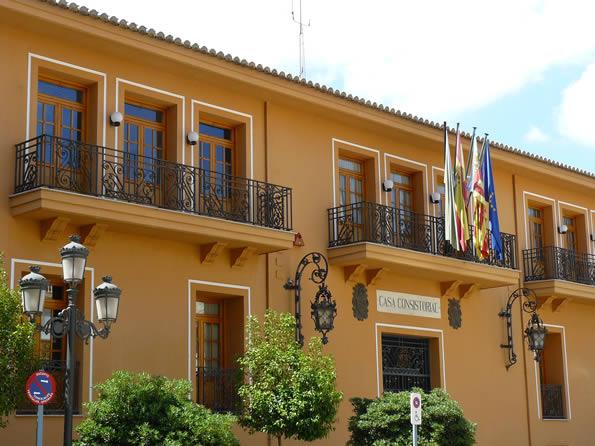 Fachada del Ayuntamiento de Requena