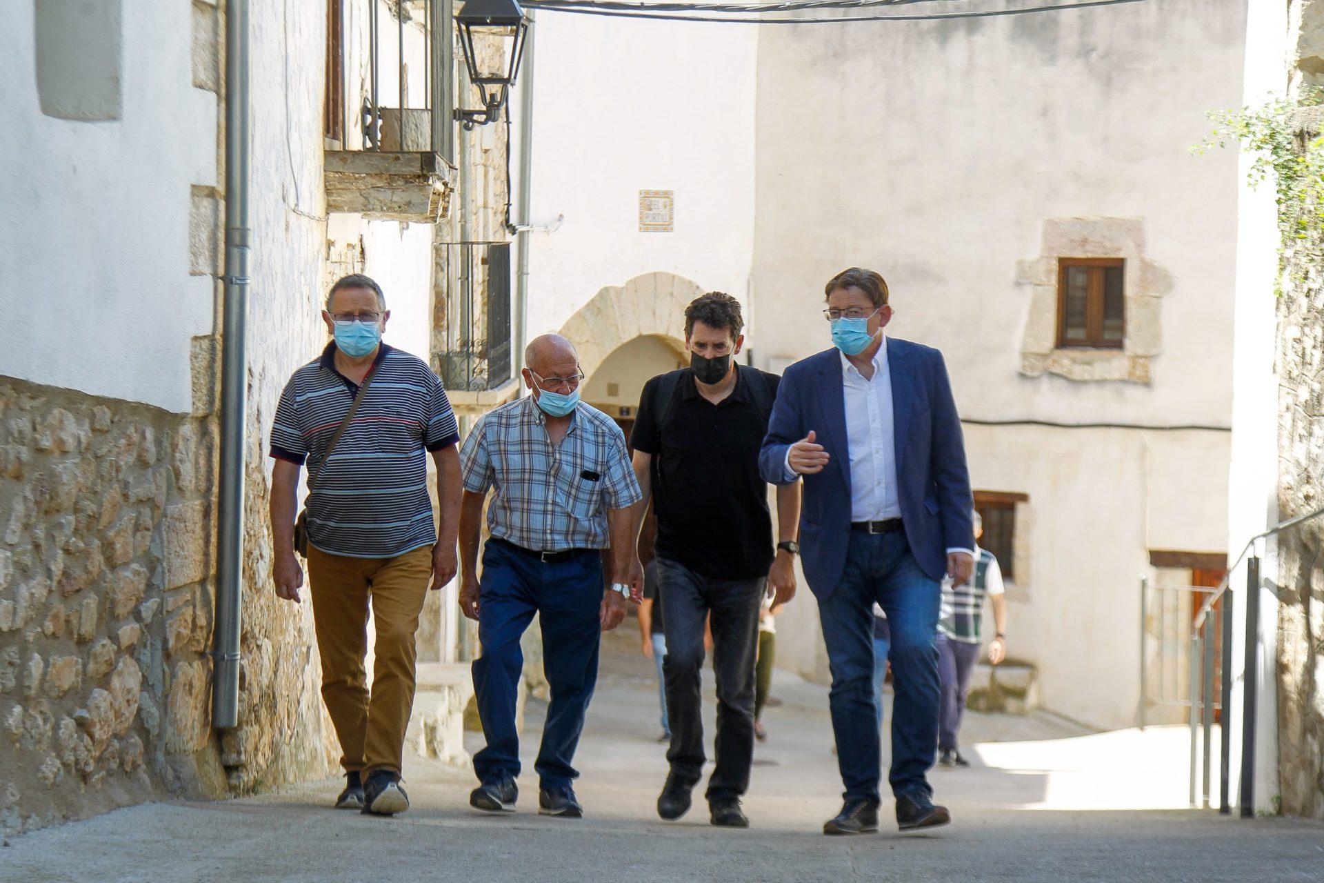 Ximo Puig en la visita a Vallibona