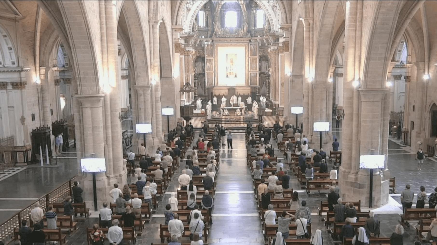 Imagen de la Misa Pontifical en la Catedral de València retransmitida por Youtube
