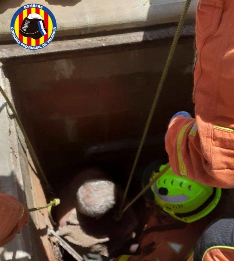 Rescate del hombre en el pozo Eliana