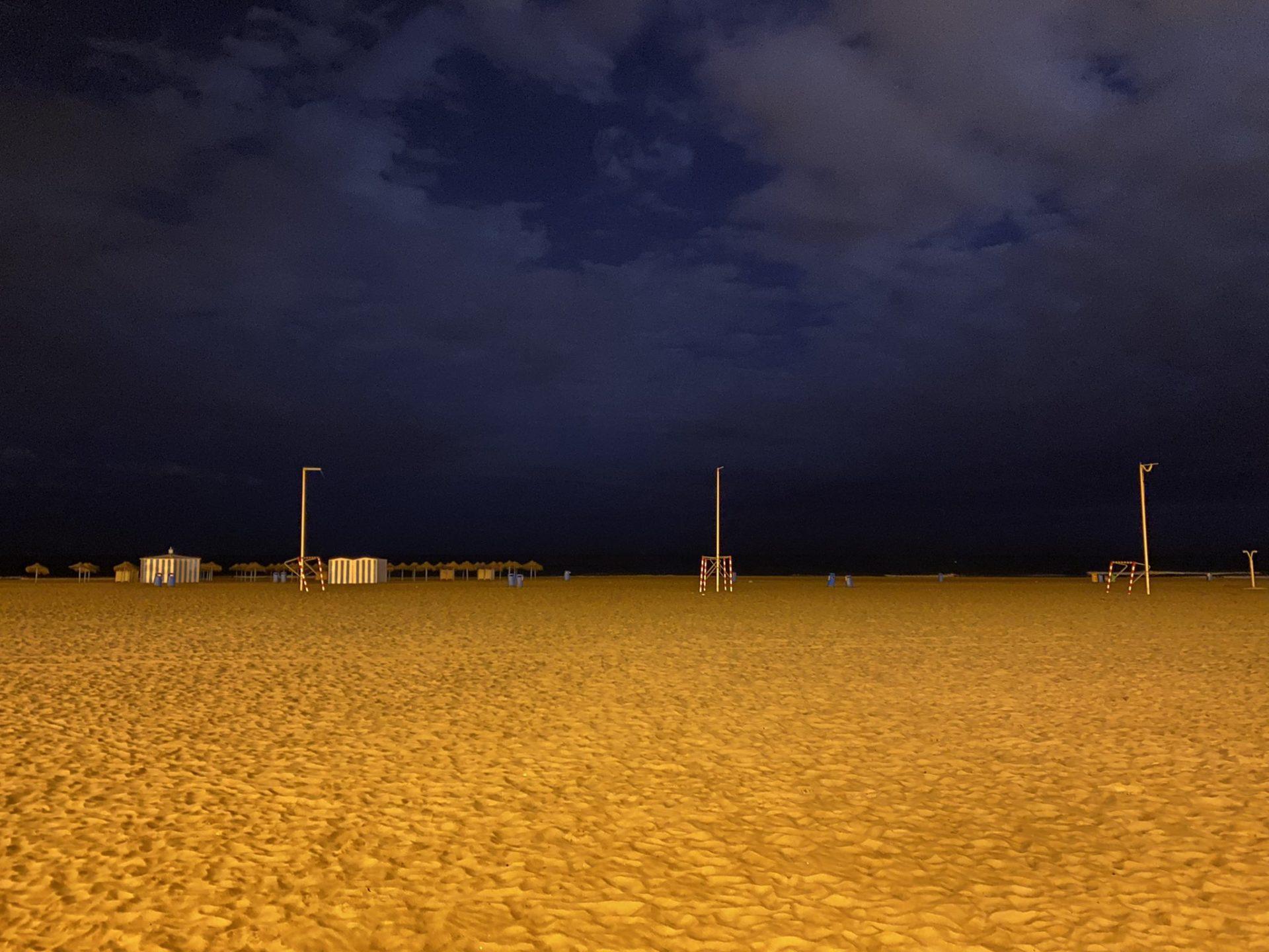 Playa de València vacía