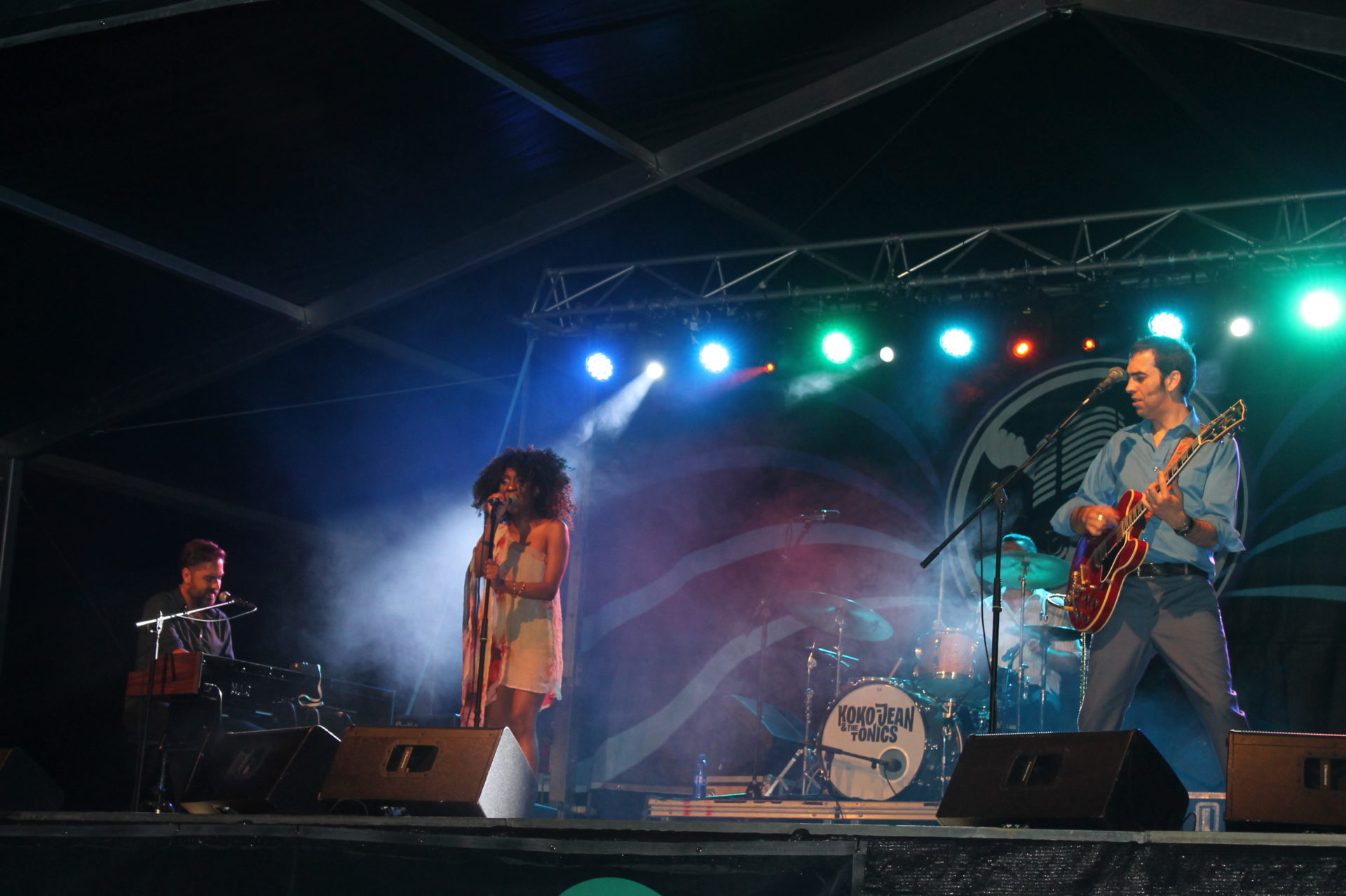 Actuación Koko Jean & The Tonics en Benicàssim