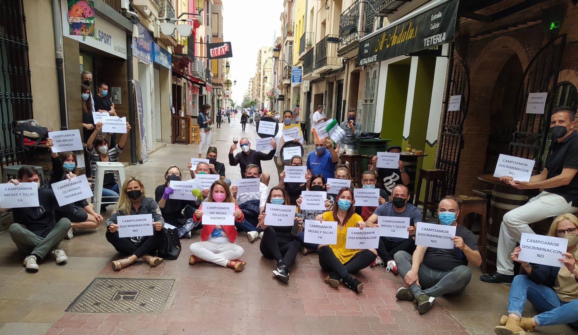 Sentada hosteleros calle Campoamor Castelló